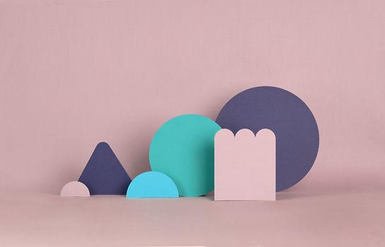 Estructuras de papel rosa