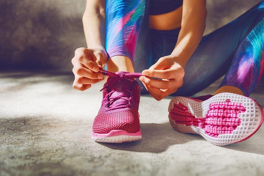 Tying Shoelaces