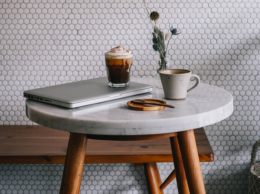 Coffee-Whipped-Cream-Laptop-on-Marble-Table
