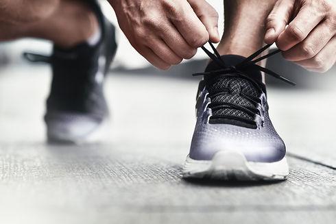 Atarse los cordones de los zapatos