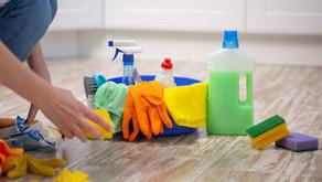 Água sanitária é supereficiente na limpeza, mas exige cuidados