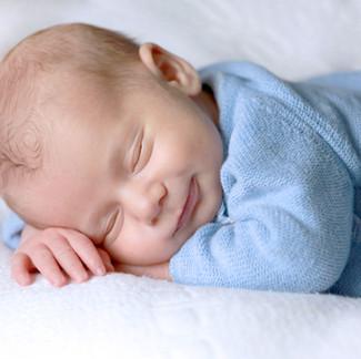 Mi bebé no duerme, ¿por qué? ¿qué hacer?