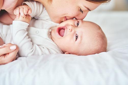 Blije baby - Verloskundige praktijk zoe is kleinschalig. Hecht team met vaste verloskundigen.