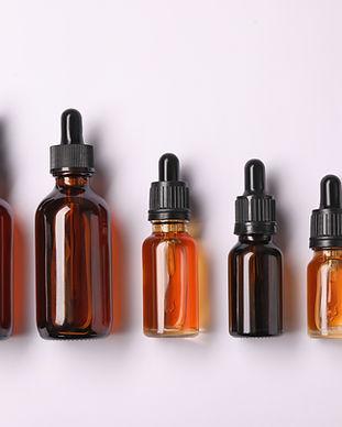 Bouteilles d'huile essentielle