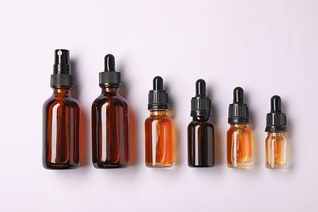 Flaschen ätherisches Öl