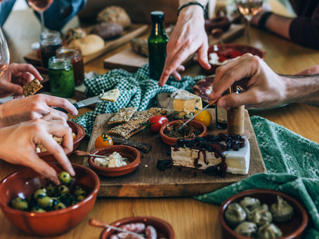 3 Quick Tips for Crafting a Fun Cheese Plate