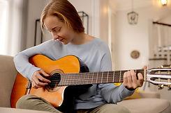 Praticare la chitarra