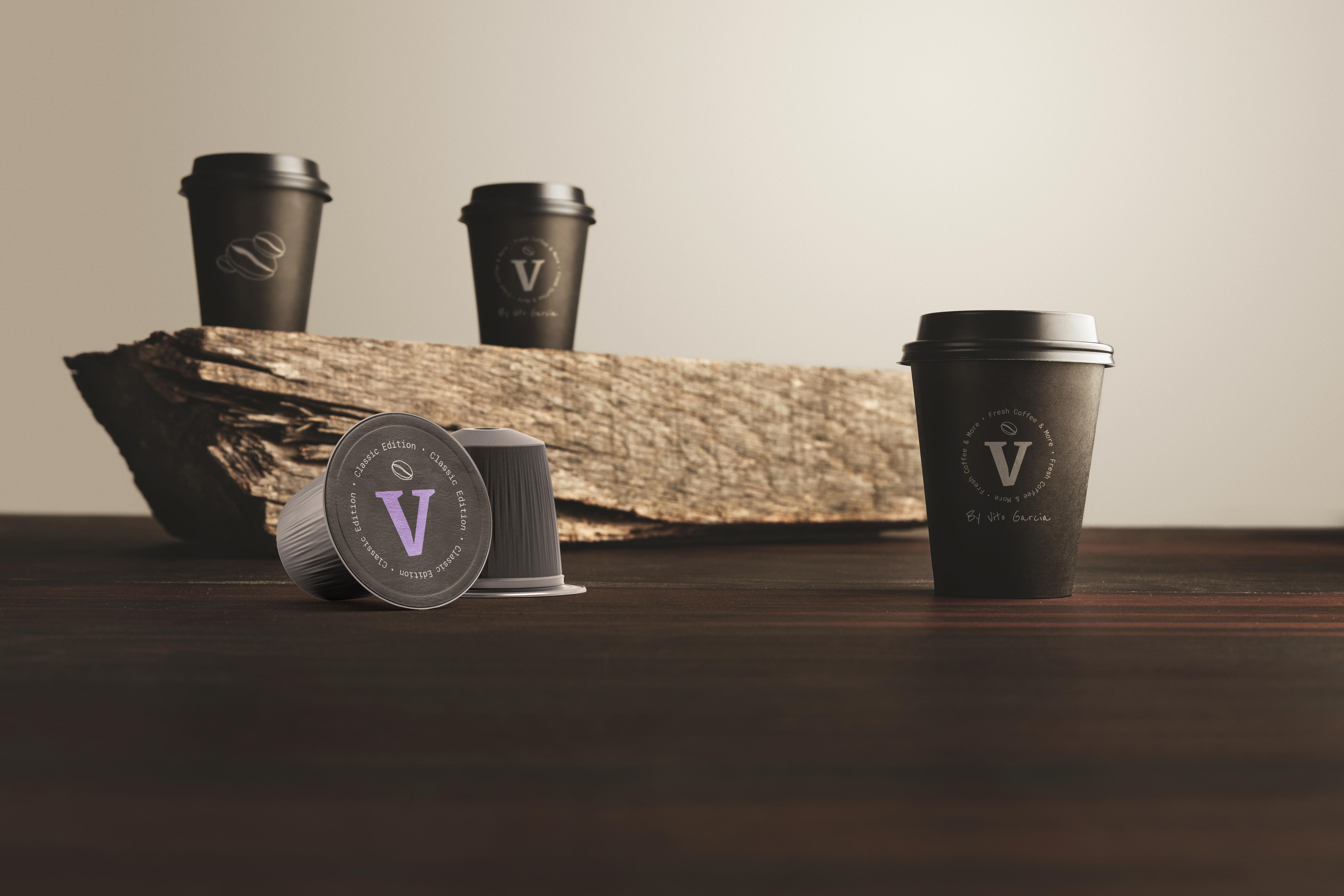 Cápsulas y diversos tipos de vasos de café.