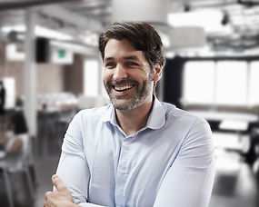 Lächelnder Geschäftsmann