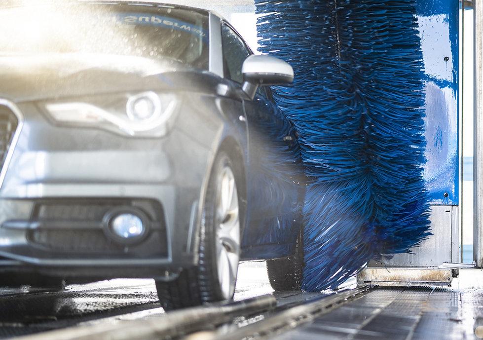 洗車時の車