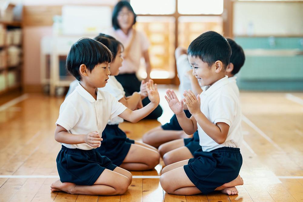 子供の手遊び