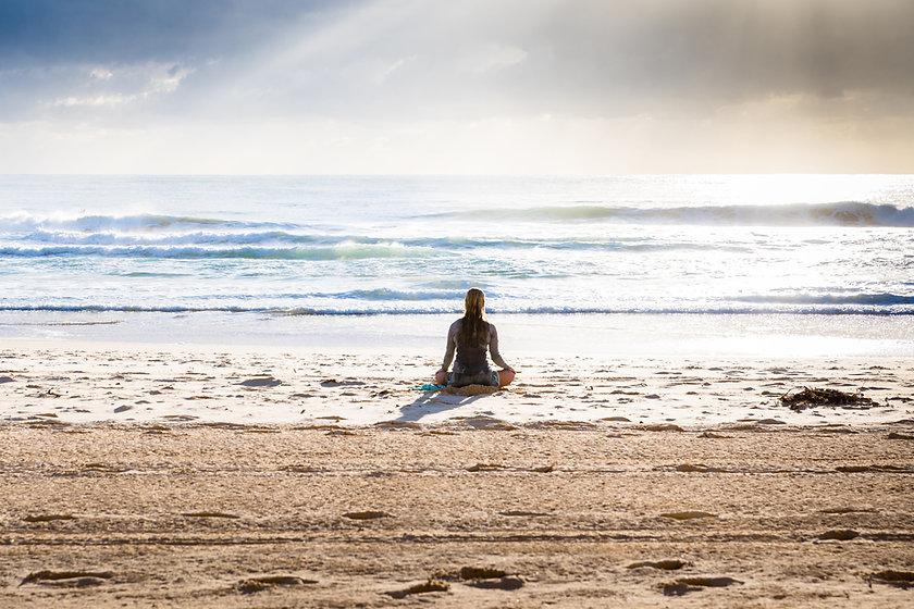 Meditando na praia