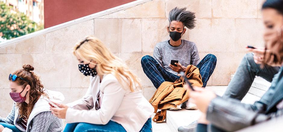 Masken und Handys