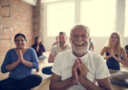Lachender Yoga