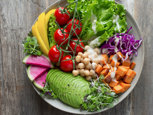 There are four Hygienic rules for eating Salads that you should know about.