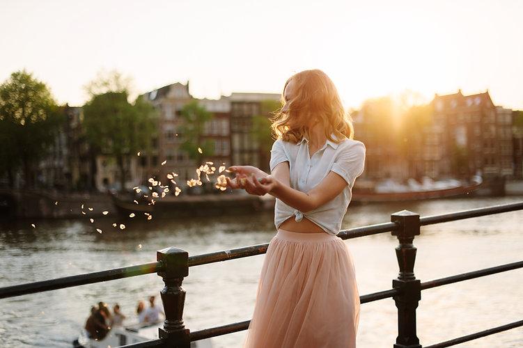 Pink Skirt Femme Endométriose