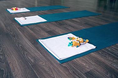 瑜伽墊和玩具