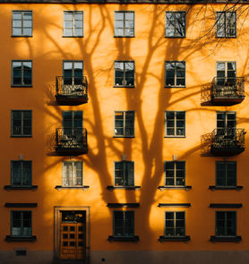 Orange Gebäude