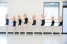 junge Ballerinen