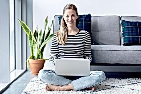 Femme travaillant à domicile