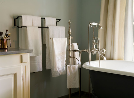 Tips for Giving a Small Bathroom a Larger Feel