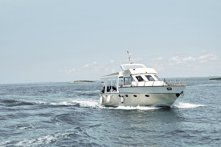 海のモーターボート