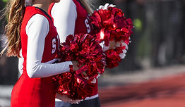 Pom-pom girls en rouge