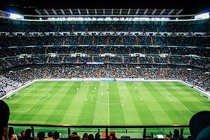 Partido de fútbol desde la tribuna