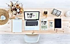 Blogger ' s Desk