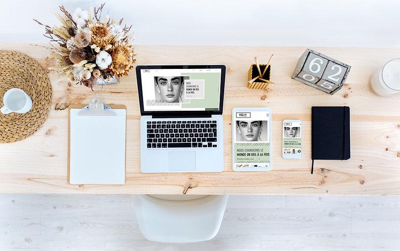 Blogger's Desk