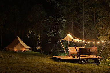Czarujący namiot