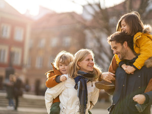 20 Pro Tips On How to Save Money on a Family Vacation