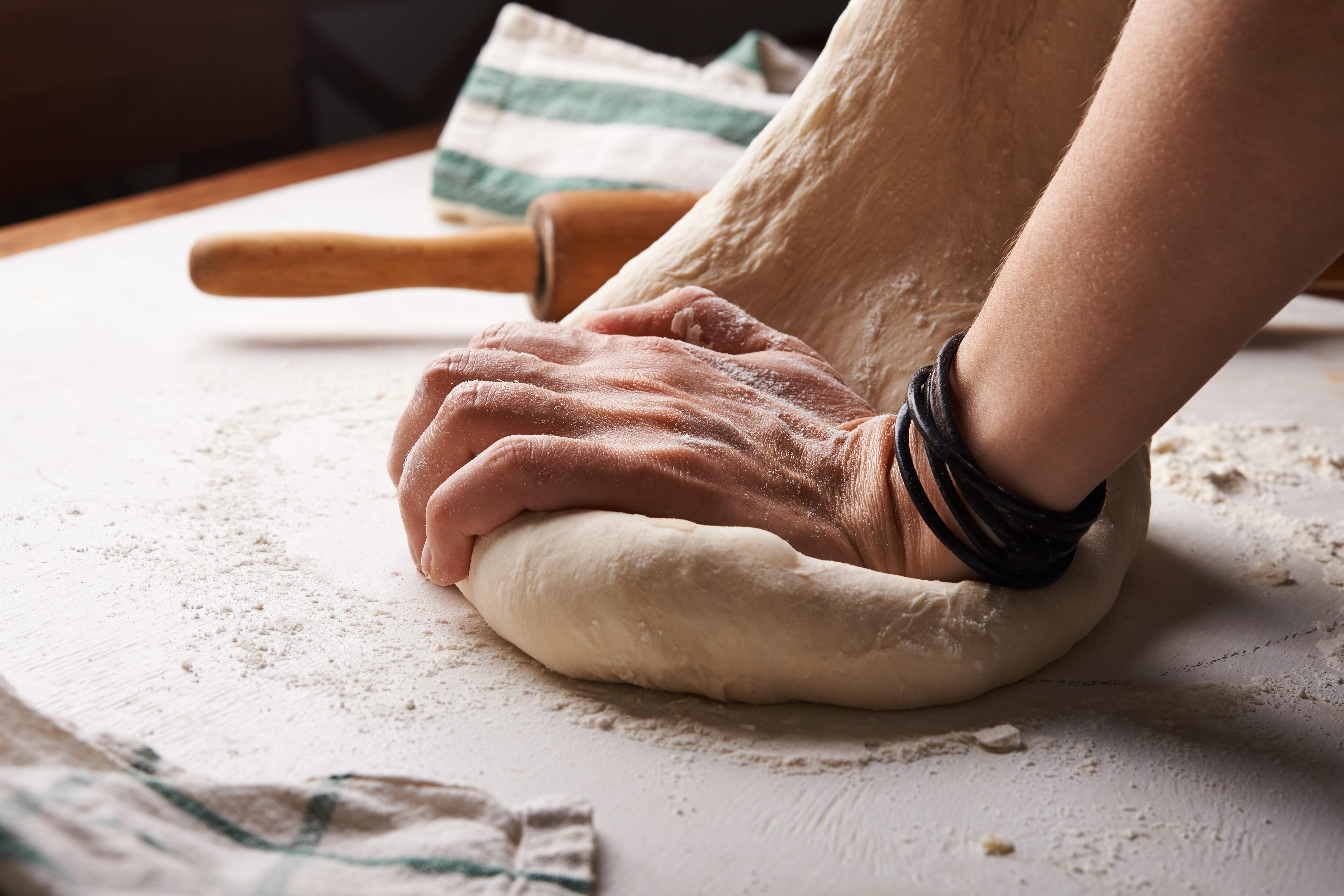 Mixing pasta dough