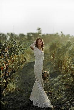 Krásná nevěsta v přírodě