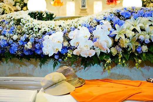 高級な花祭壇