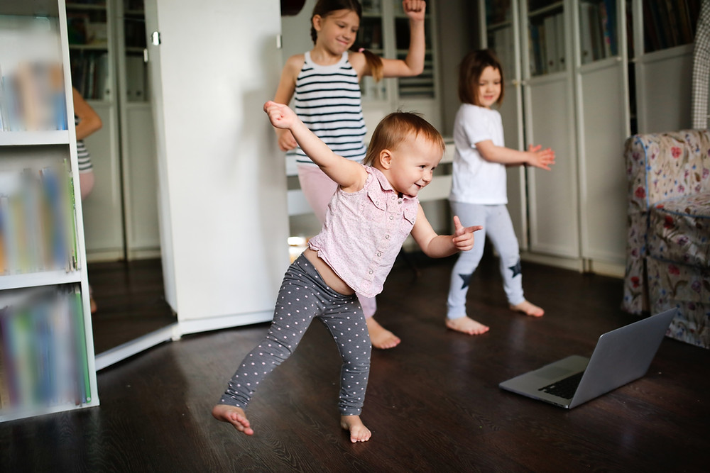 איך לתרגל מיומנויות חברתיות גם בבית עם המשפחה