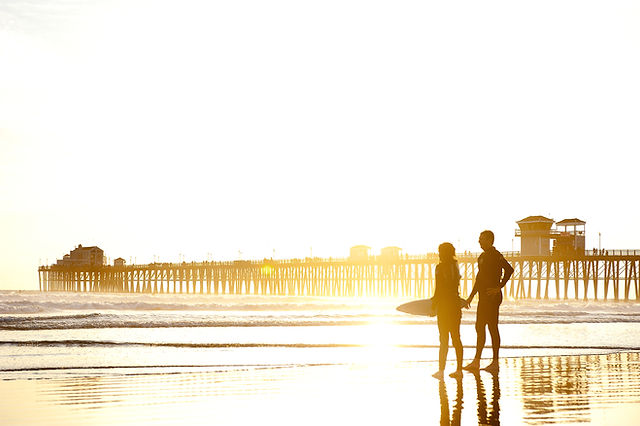 日没時のサーフィン
