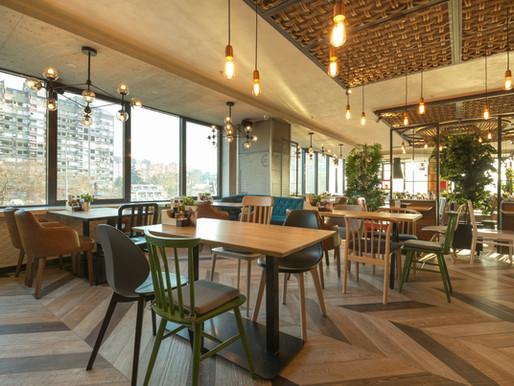 Alerta máximo contra covid-19 ameaça fechar restaurantes de Paris