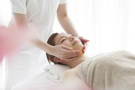 esthetician massage
