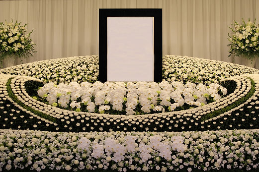 胡蝶蘭いっぱいの祭壇