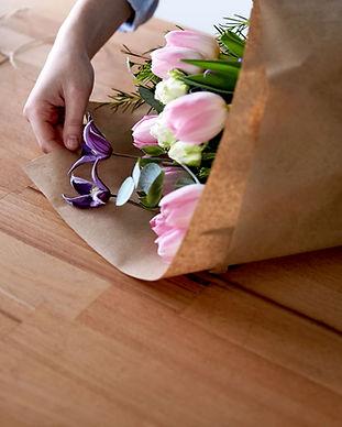 Blumengeschäft Blumenstrauß zu machen