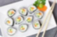 Sushi auf Teller