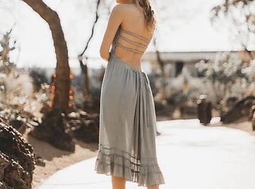 グレーのサマードレス
