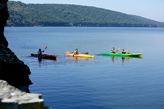 Kayak de aguas azules