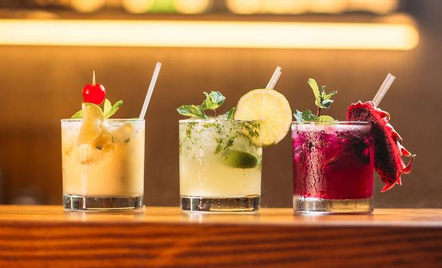 Cocktails & Schmoozing