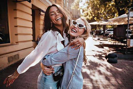 Amigos felizes