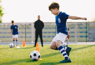 איזה אביזרי אימון מומלצים לכדורגל?