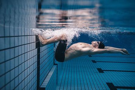 Nageur sous l'eau