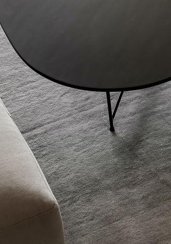 灰色のカーペット
