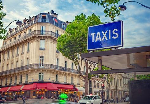 Station de taxi dans Paris